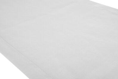 Biały mereżkowany bieżnik stołowy