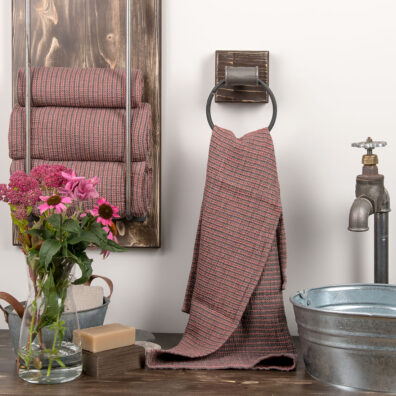 Różowo-szary ręcznik kąpielowy