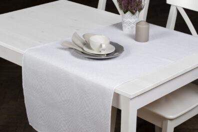 Śnieżnobiały w kratkę lniany bieżnik stołowy