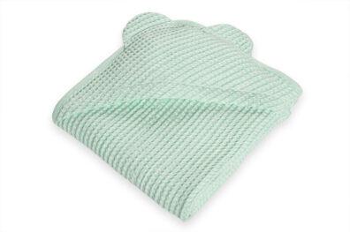 Seledynowy ręcznik niemowlęcy z kapturkiem
