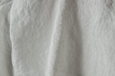 Prana mlecznobiała tkanina lniana.