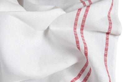 Biała lniana tkanina w czerwone paski.