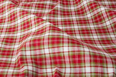Tkanina w delikatną czerwono - białą kratkę.