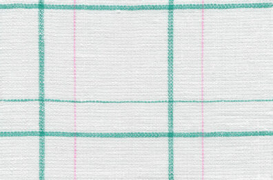 Mlecznobiała tkanina lniana w zieloną kratkę i delikatne różowe paski.