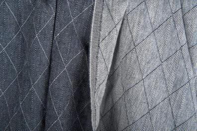 Prana ciemna niebieska tkanina lniana w romby.