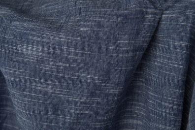 Granatowa prana tkanina lniano - bawełniana
