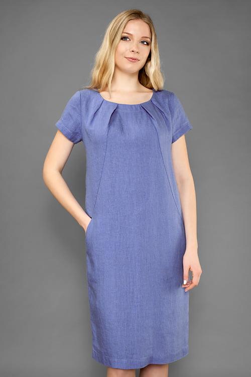 Niebieska o fioletowy odcieniu suknia lniana.