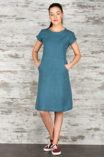 Lniana sukienka, niebieska o zielonym odcieniu.