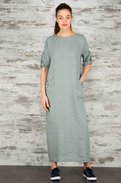 Niebieskoszara suknia lniana.