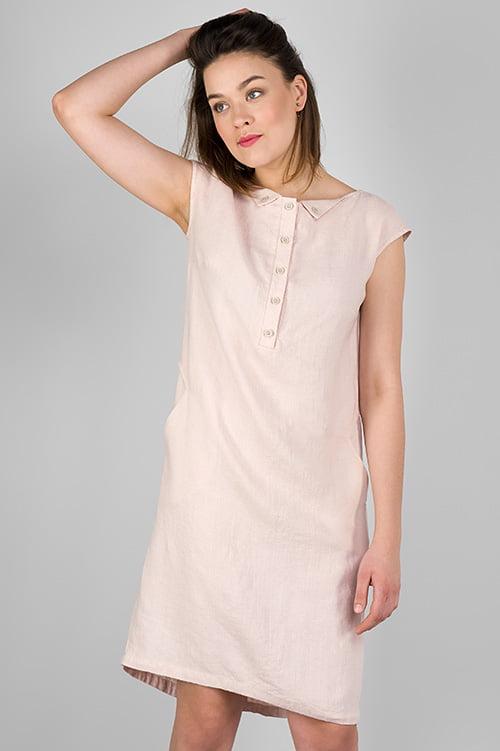 Różowa lniana sukienka.