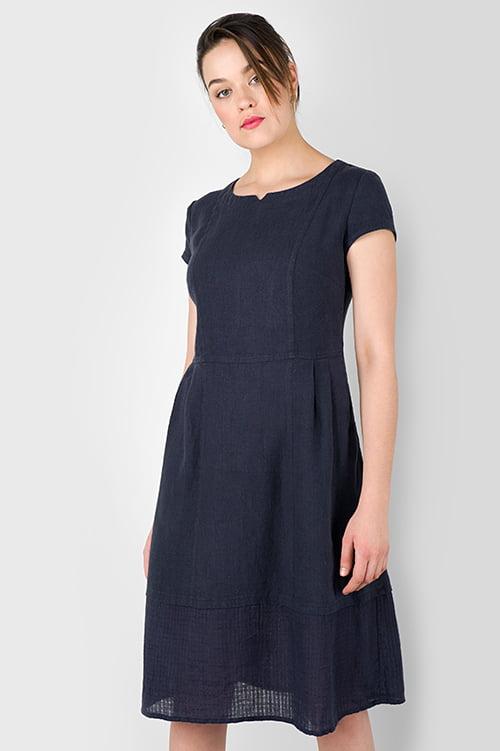Granatowa sukienka lniana.