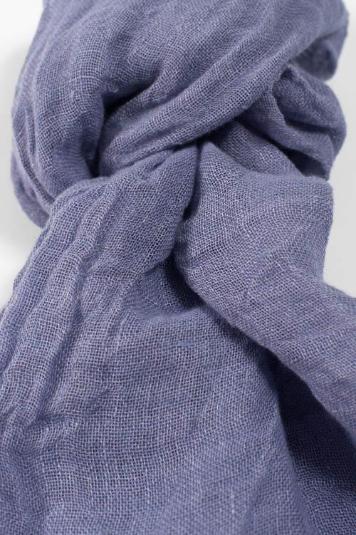 Jasny fioletowy szalik lniany.