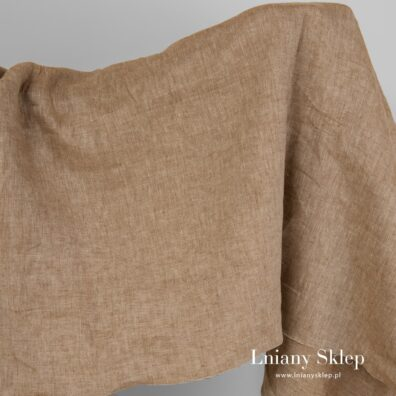 Szeroka ruda tkanina lniana.