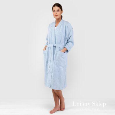 Niebieski w paski szlafrok z pranego lnu.